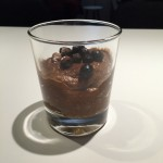 Sjokolademousse av avokado og dadler