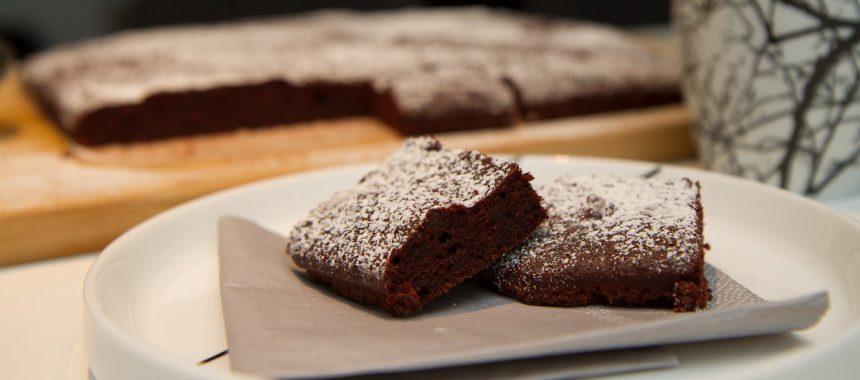 Brownies med rødbeter og dadler