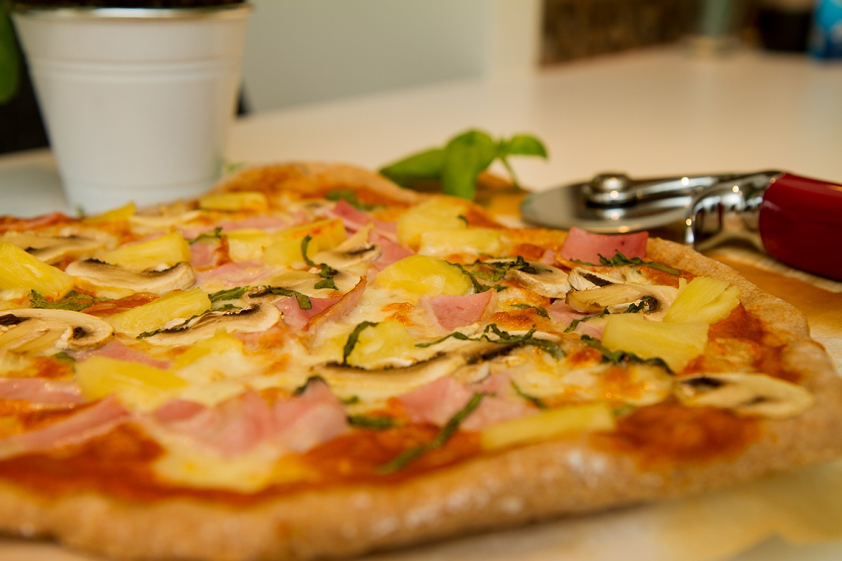 Pizza Hawaii - Pizza med skinke og ananas