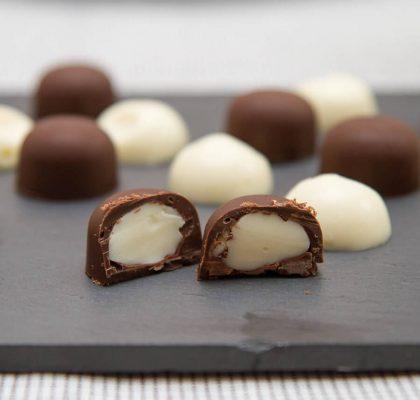 Yoghurtsjokolade med sjokoladetrekk