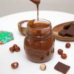 Nøttepålegg med sjokolade / Nutella
