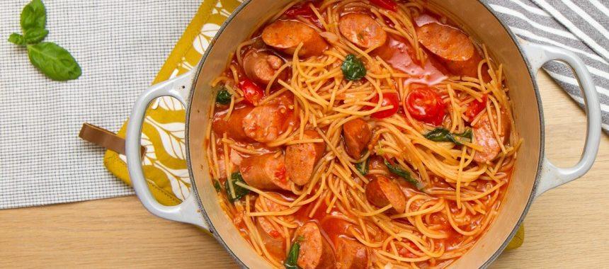 One pot pasta med pølser
