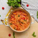 One pot pasta - Lettvint alt-i-ett pølsegryte