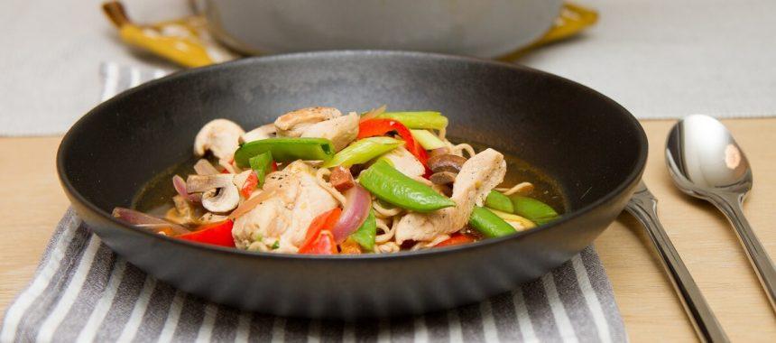 Nuddelsuppe med kylling og chorizo