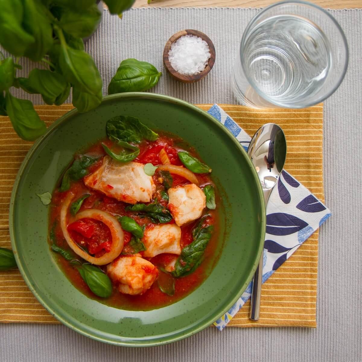 Torskegryte med chorizo og tomat