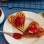Rabarbrasyltetøy med jordbær