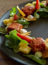 Tacosalat med laks og avokadokrem